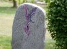 Handwerklich bearbeitete Grabsteine